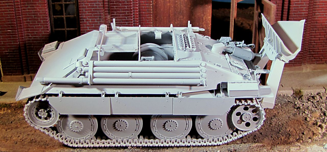 112253852449 in addition Oshkosh M1070 further M911 likewise Sand Blasting Tractor Trailers besides 135 German Hetzer SIG332. on flatbed tank